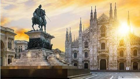 Day 13   Italy   Milan   Duomo At Sunrise