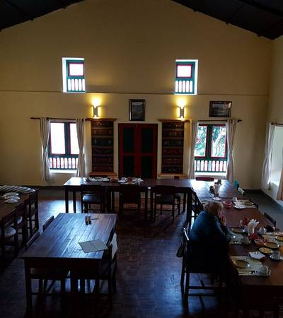 Dining room at Bee lodge