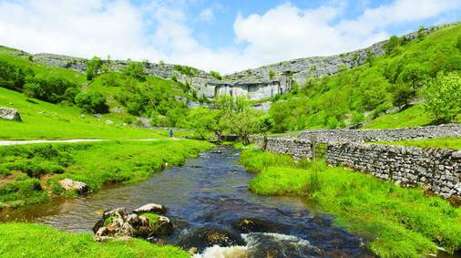 4-Night Southern Yorkshire Dales Tread Lightly Guided Walking Holiday for Solos