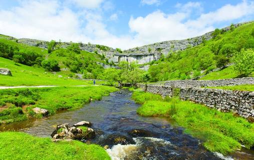 7-Night Southern Yorkshire Dales Guided Walking for Solos Holiday