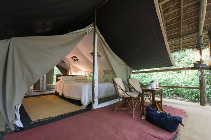 Tharu Lodge Bedroom (5).jpg