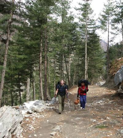 Trail to Pisang village