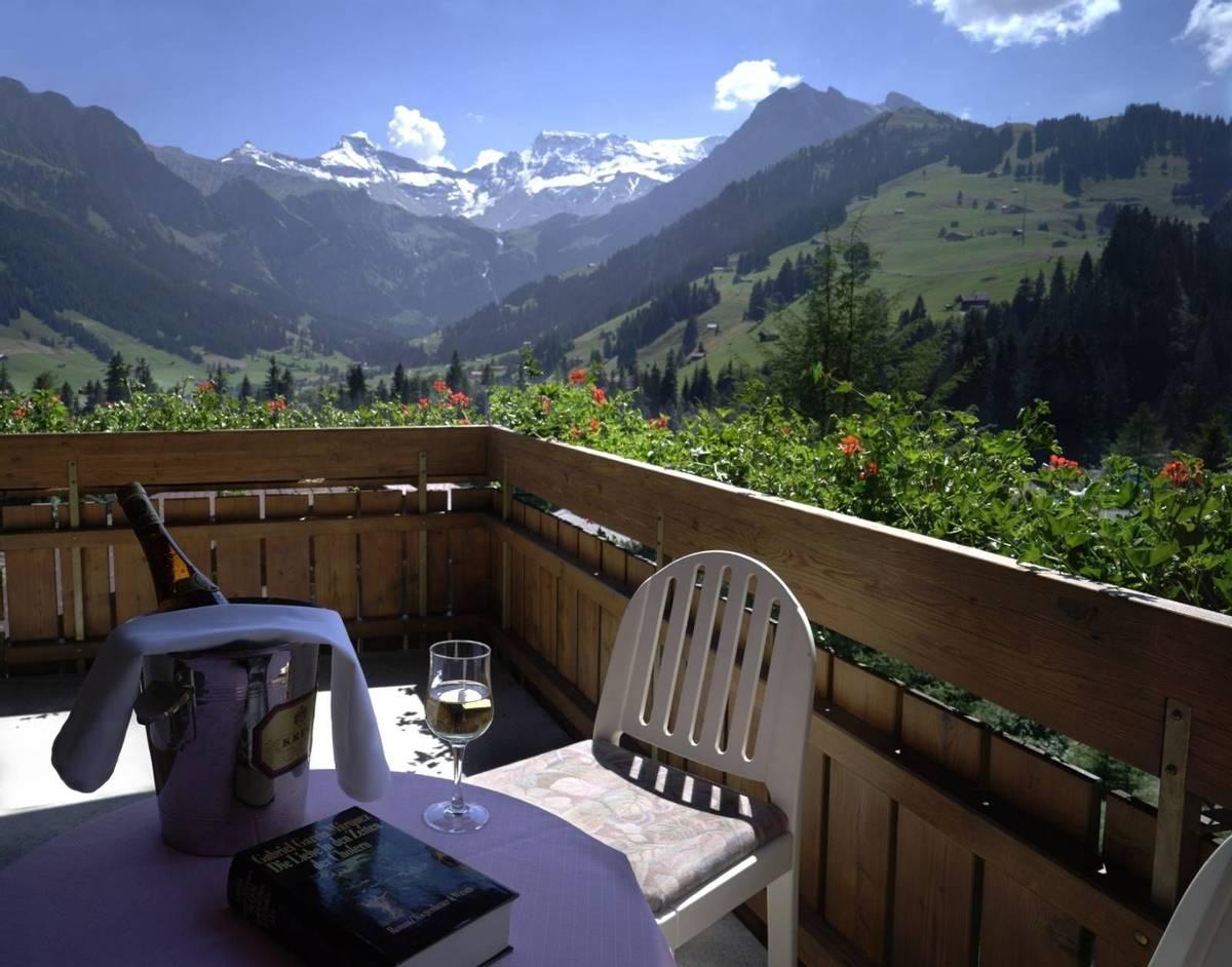 Switzerland - Bernese Oberland - Hotel Steinmattli - Balcony Hotel Provided - kamers_tweepersoonskamer03_1.jpg