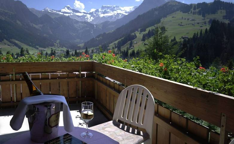 Switzerland - Bernese Oberland - Hotel Steinmattli - Balcony Hotel Provided - kamers_tweepersoonskamer03_1.jpg
