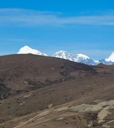 Mount Kangchenjunga, Mount Chomolhari and Mount Jitchu Drake