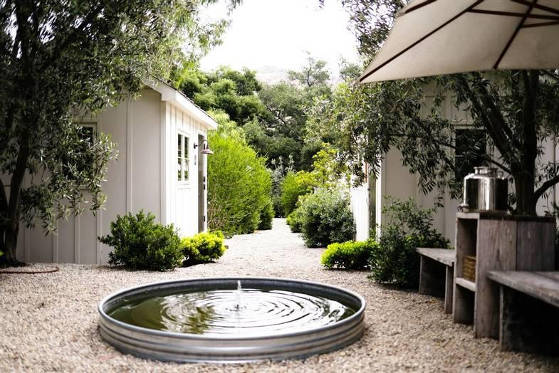 the-ranch-malibu-Rooms-CourtyardREV.jpg