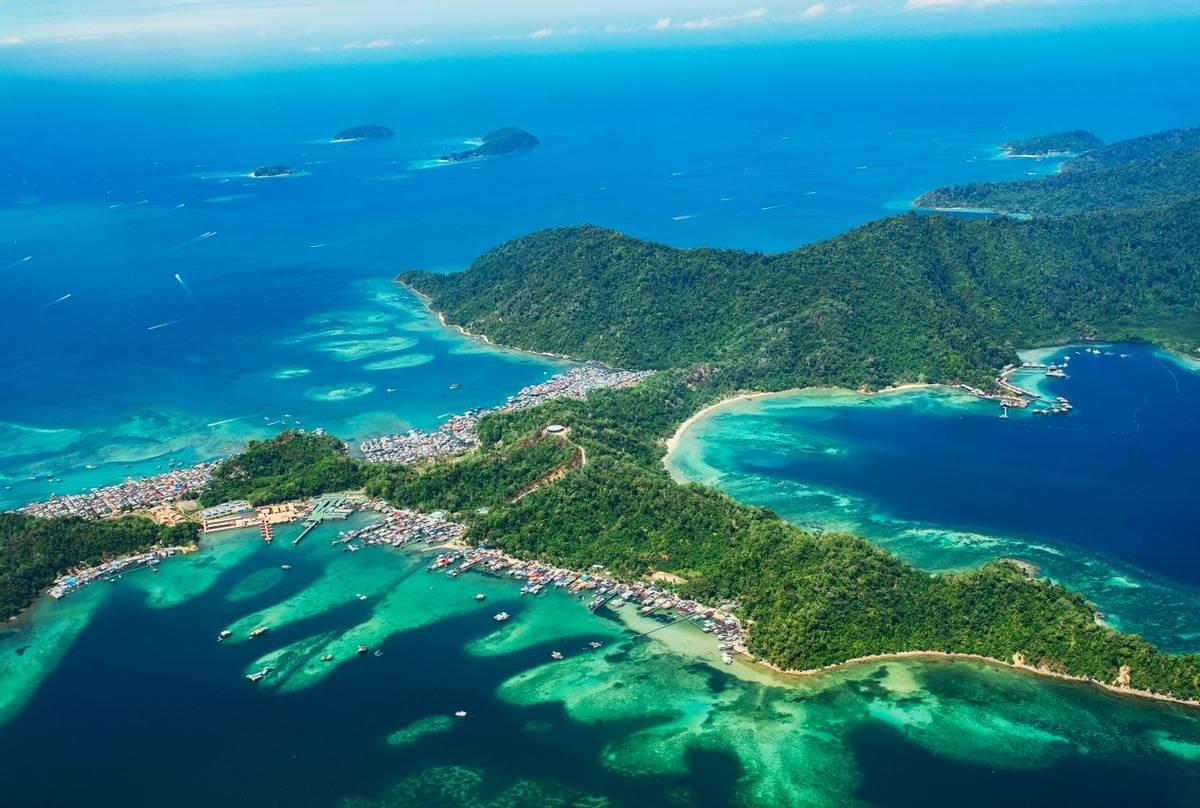 Gaya Island, Borneo shutterstock_1365645431.jpg
