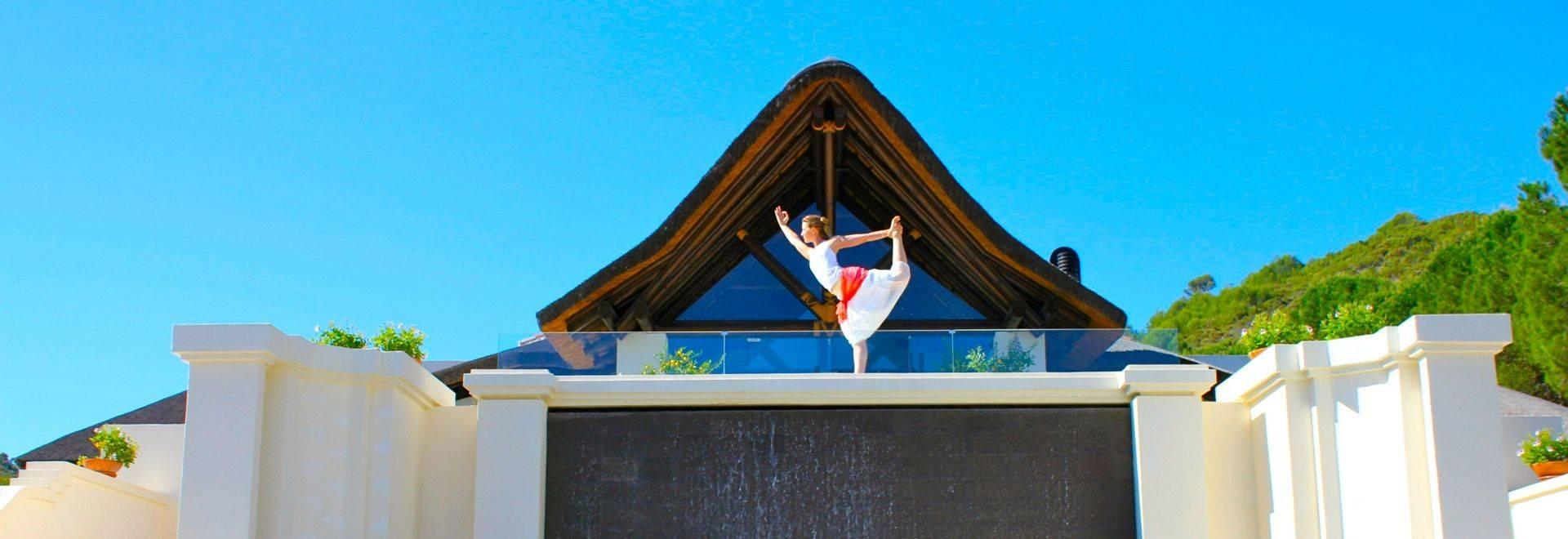 Shanti-Som-yoga-hotel-entrance.JPG