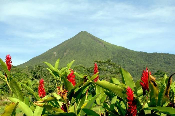 Arenal Volcano Costa Rica shutterstock_120147223.jpg