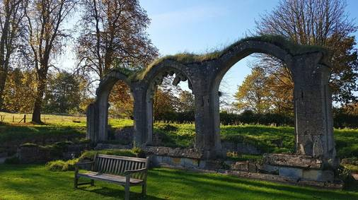 3-Night Cotswold Step into Christmas Self-Guided Walking Holiday
