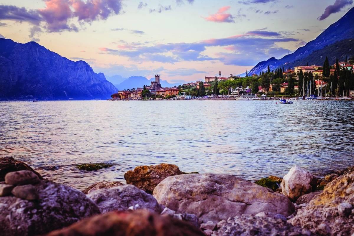 Italy - lake Garda - AdobeStock_239957983.jpg