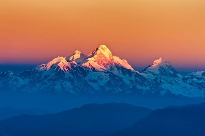 Himalayas shutterstock_188881541.jpg