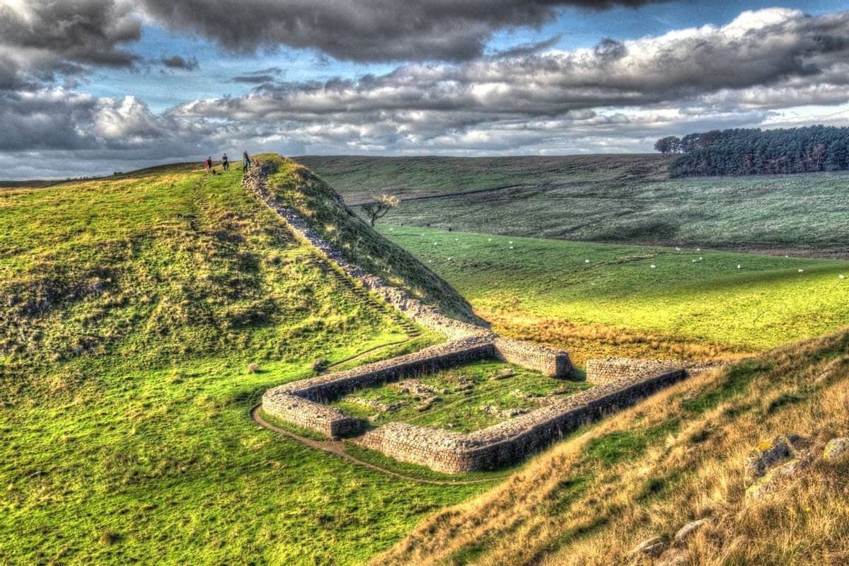 Best Of Hadrians Wall - Trail - AdobeStock_177439593.jpeg