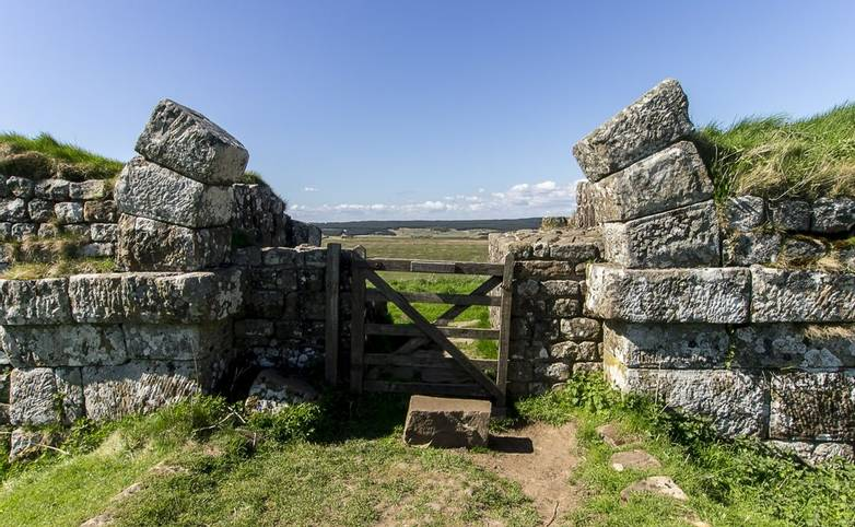 Hadrian's Wall - Trail - Mile Castle 37_AdobeStock_143920027