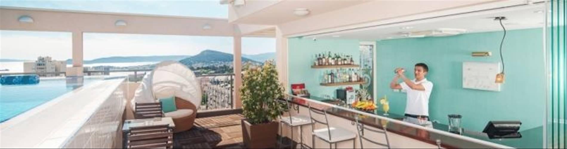 HotelResidence_DIOKLECIJAN_rooftop-bar-sundeck-day_2048px_DSC03658-695x409.jpg