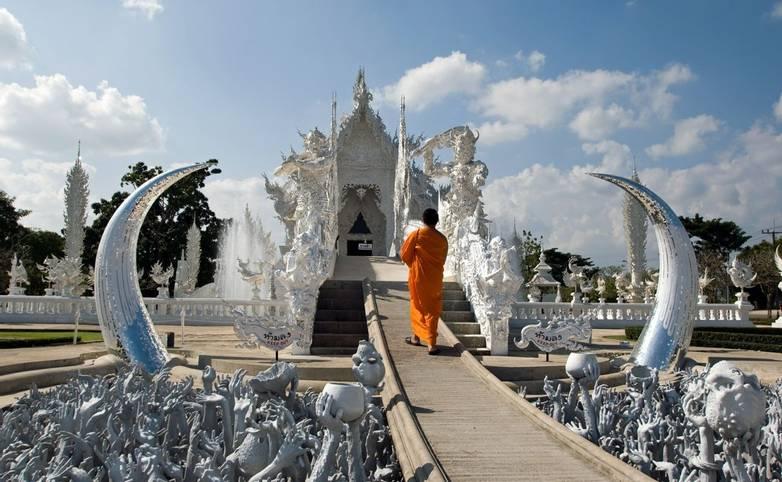 Thailand - Wat Rong Khun_shutterstock_65984902 - From Agent.jpg