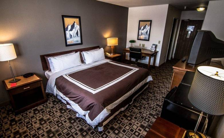 Alaska - Mountain Sky HotelMountain_Sky_Rooms (2 of 16).jpg