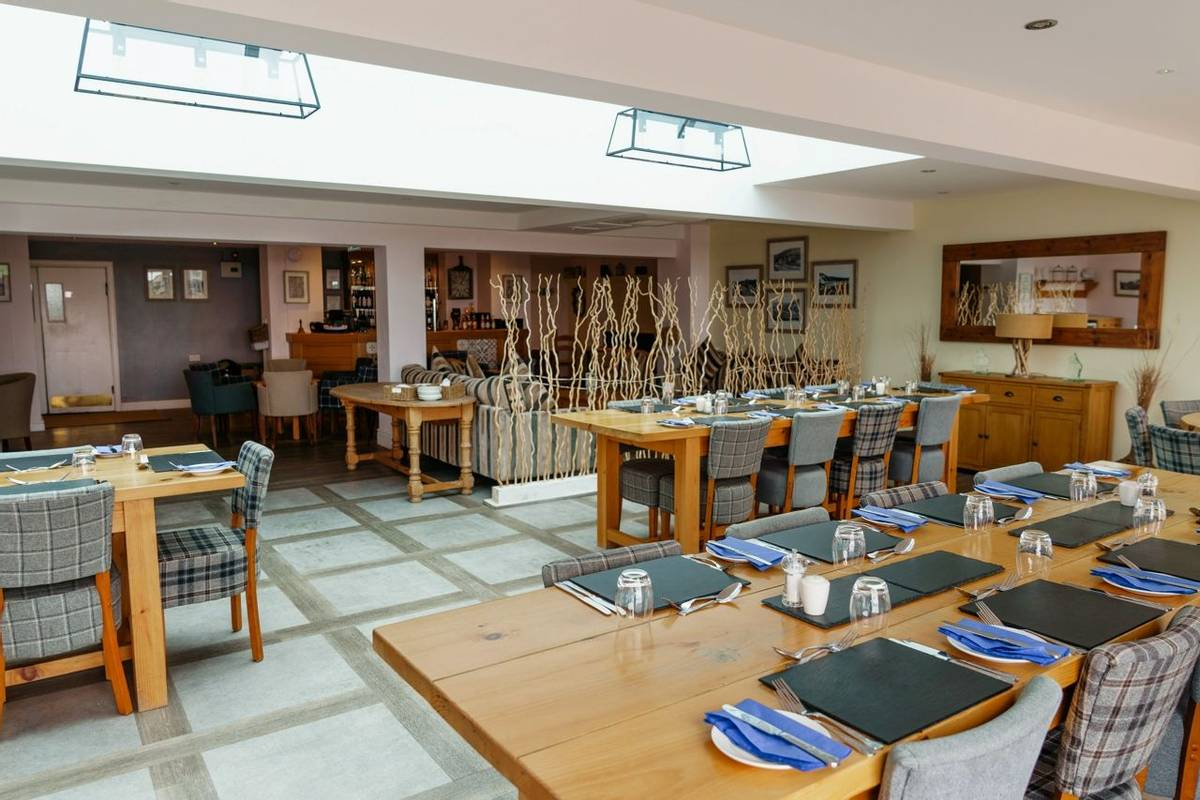 10672_0068 - Restaurant