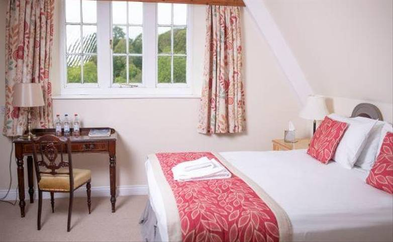 South Devon Coast Path - Kitley House - Hotel Bedroom, Yealmpton - Hotel website.jpg