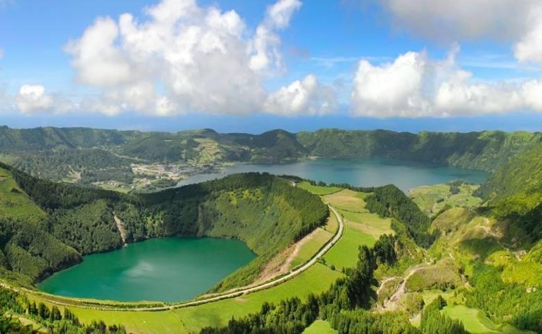 Azores_AdobeStock_132515098.jpeg