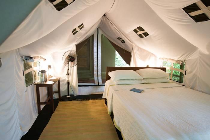 Tharu Lodge Bedroom (4).jpg