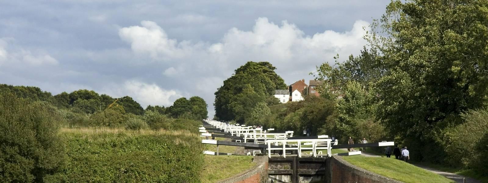 Caen Hill Locks Kennet and Avon Canal AdobeStock_111265165.jpeg