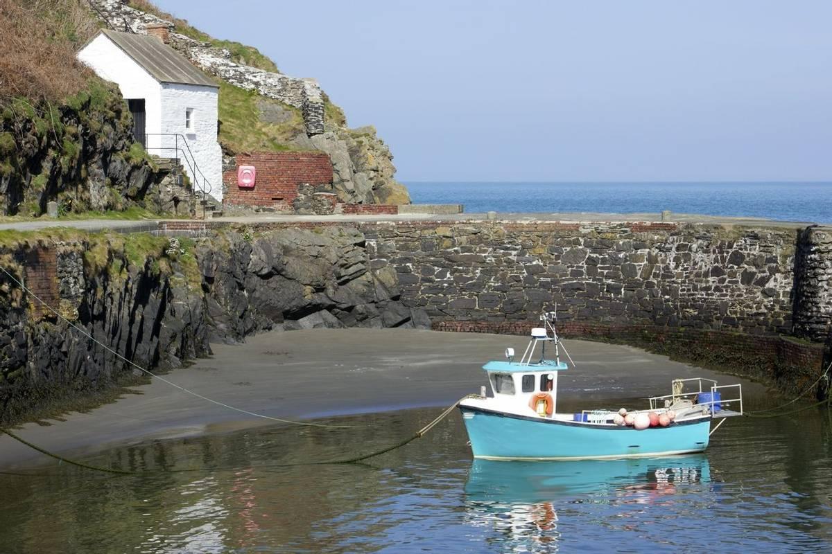 Pembrokeshire Coast Path - Guided Trail - AdobeStock_94066645.jpeg