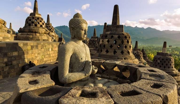 Borobudur Buddist temple, Yogyakarta.jpg