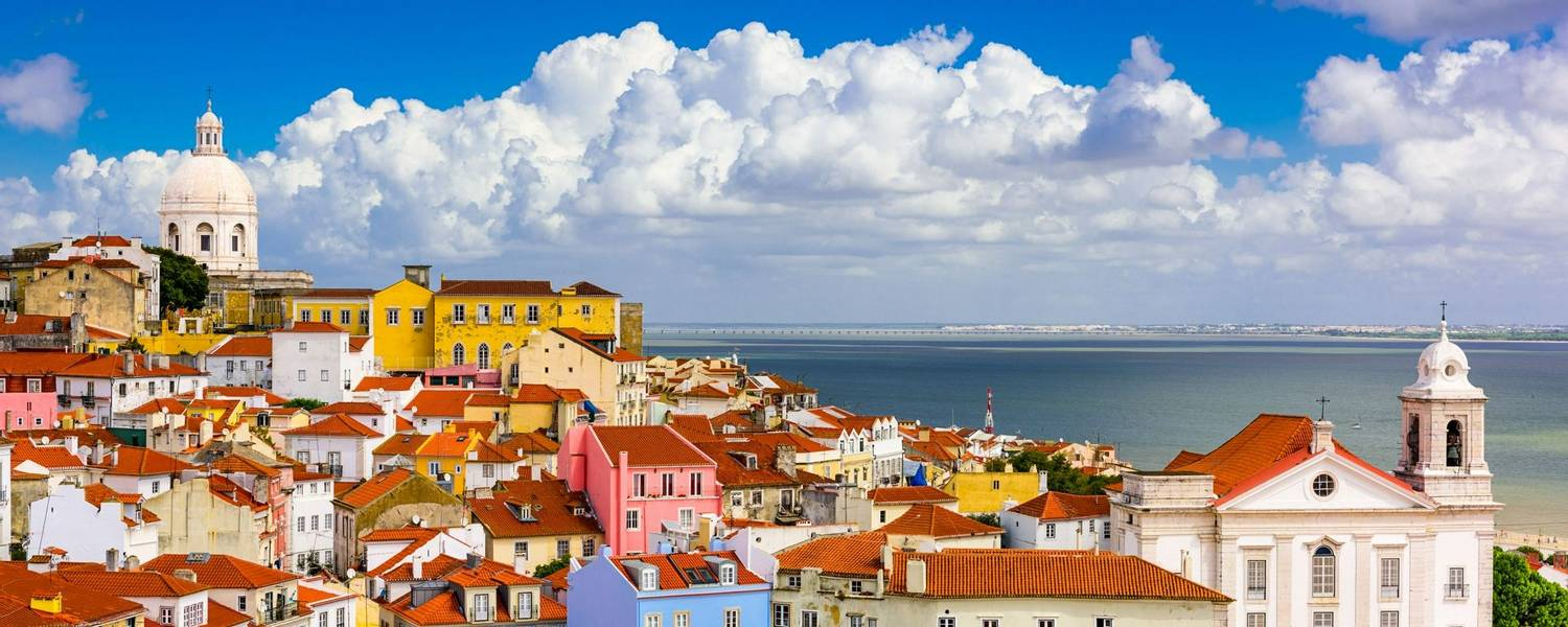 Alfama district, Lisbon, Portugal.jpg