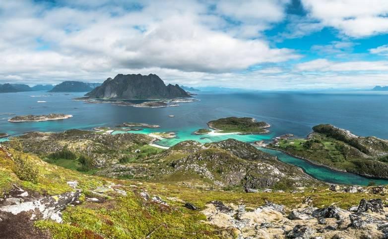 Norway - Lofoten Islands - SAdobeStock_216803458.jpeg