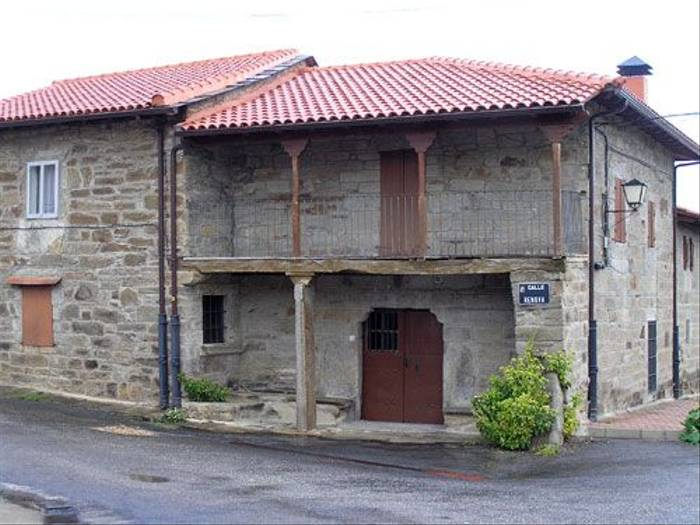 Local house (Thomas Mills)