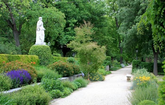 Madrid Botanical Gardens shutterstock_1098053543.jpg