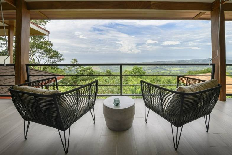 lapazul-retreat-balcony-view.jpg