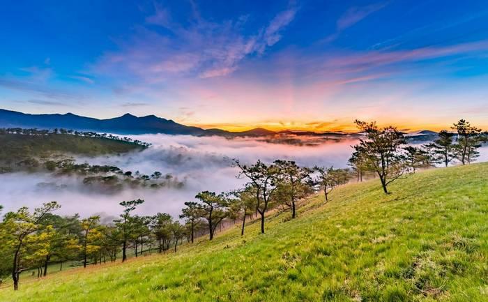 Sunrise at Golden Hill, Dalat, Vietnam shutterstock_495570697.jpg