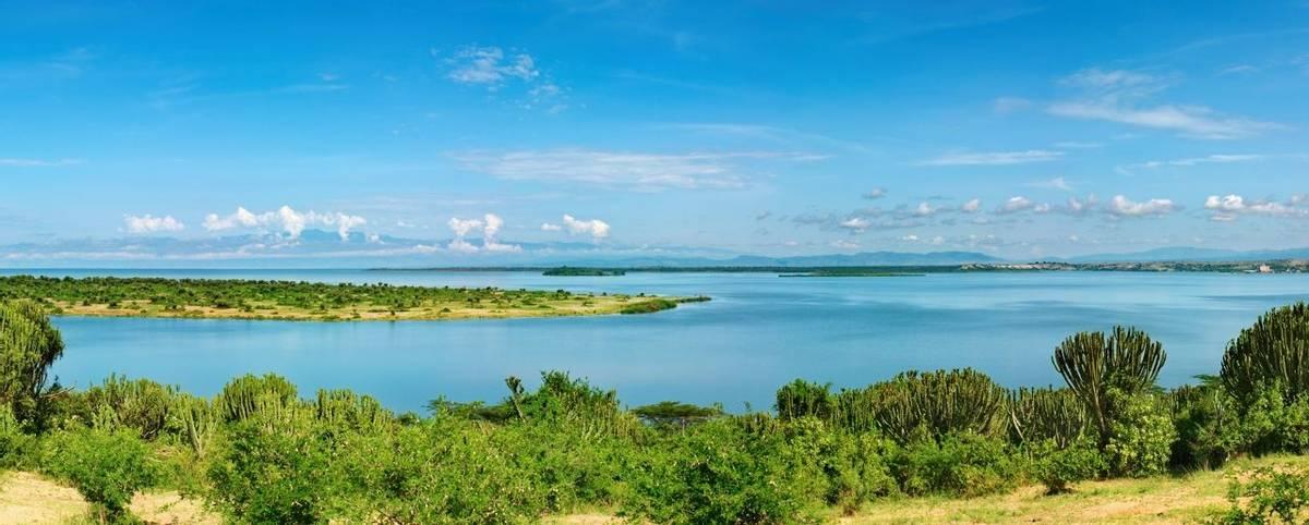 Kazinga Channel,  Queen Elizabeth National Park, Uganda Shutterstock 19126654