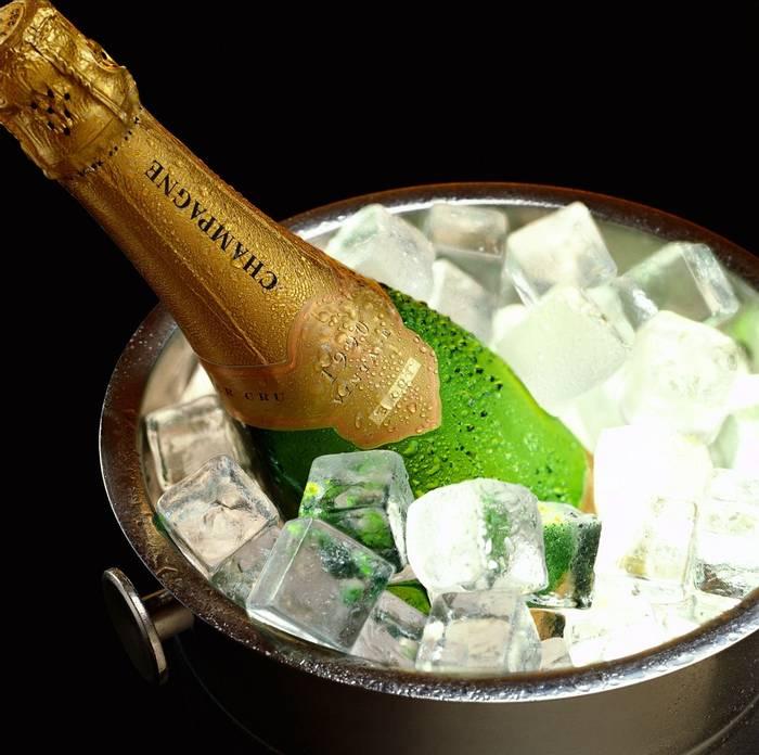 Champagne (Jupiter Images)