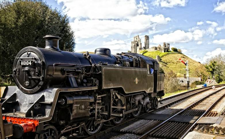 Dorset_Swanage_Railway_Corfe_Castle_AdobeStock_405910192.jpeg