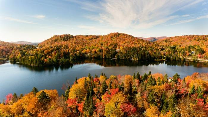 Eastern Canada, Fall colours Lac Creux north Quebec, Canada shutterstock_737234152.jpg