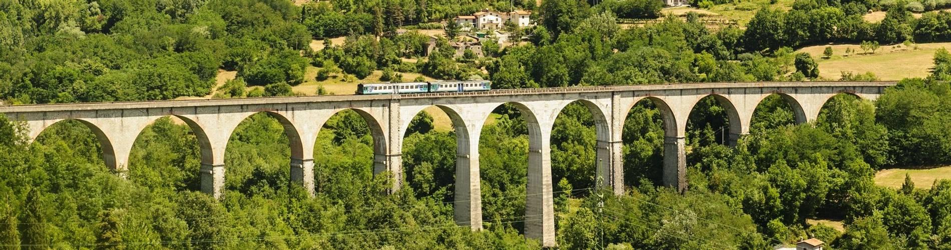 Train Tuscany.jpg