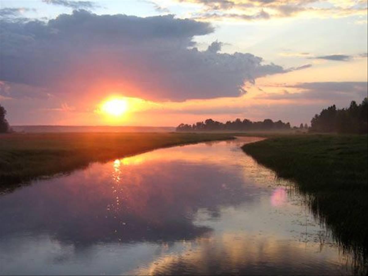 Sunset over the Black River (Daniel Green)