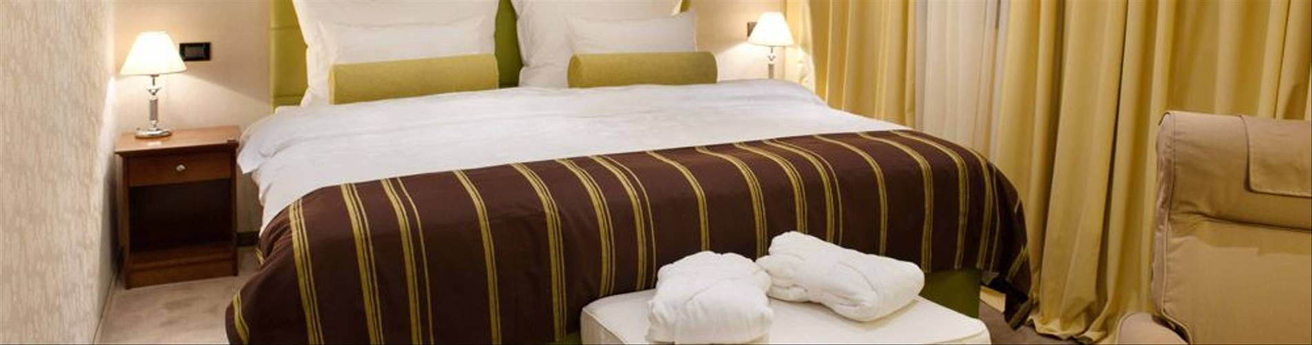 De-Luxe-double-room-Hotel-Dubrovnik-Zagreb.jpg