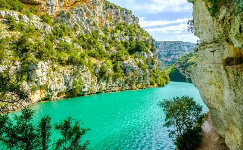 France - Provence - Greoux - AdobeStock_205368455.jpeg