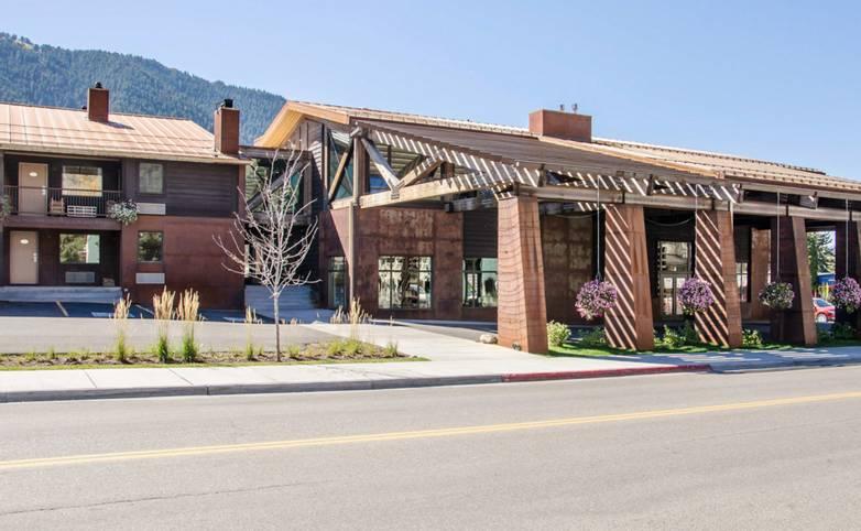 American Rockies - Quality Inn 49er .png