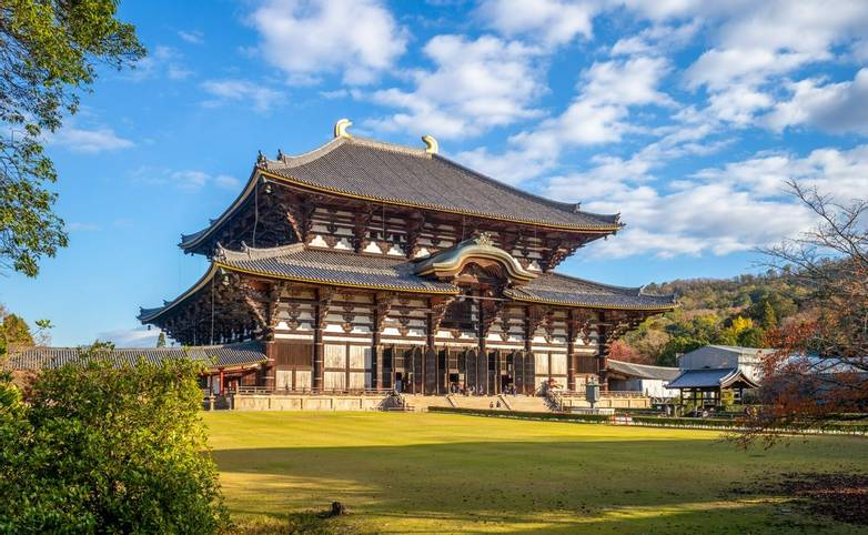 Great Buddha Hall of todaiji in nara, japan.