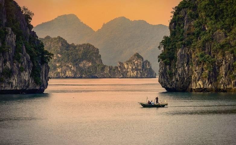 halongnay-chieuhoanghonvathuyen-By Danny Iacob-C-L.jpg
