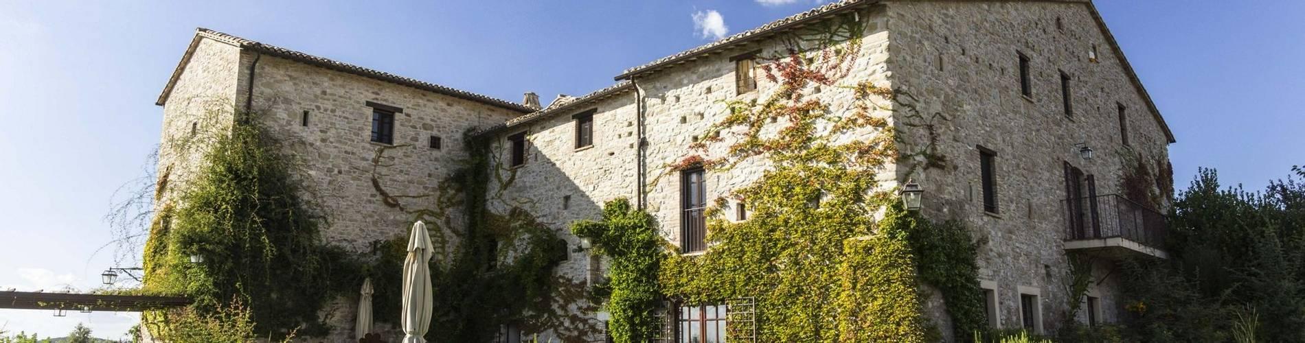 Castello Di Petrata, Umbria, Italy (4).jpg