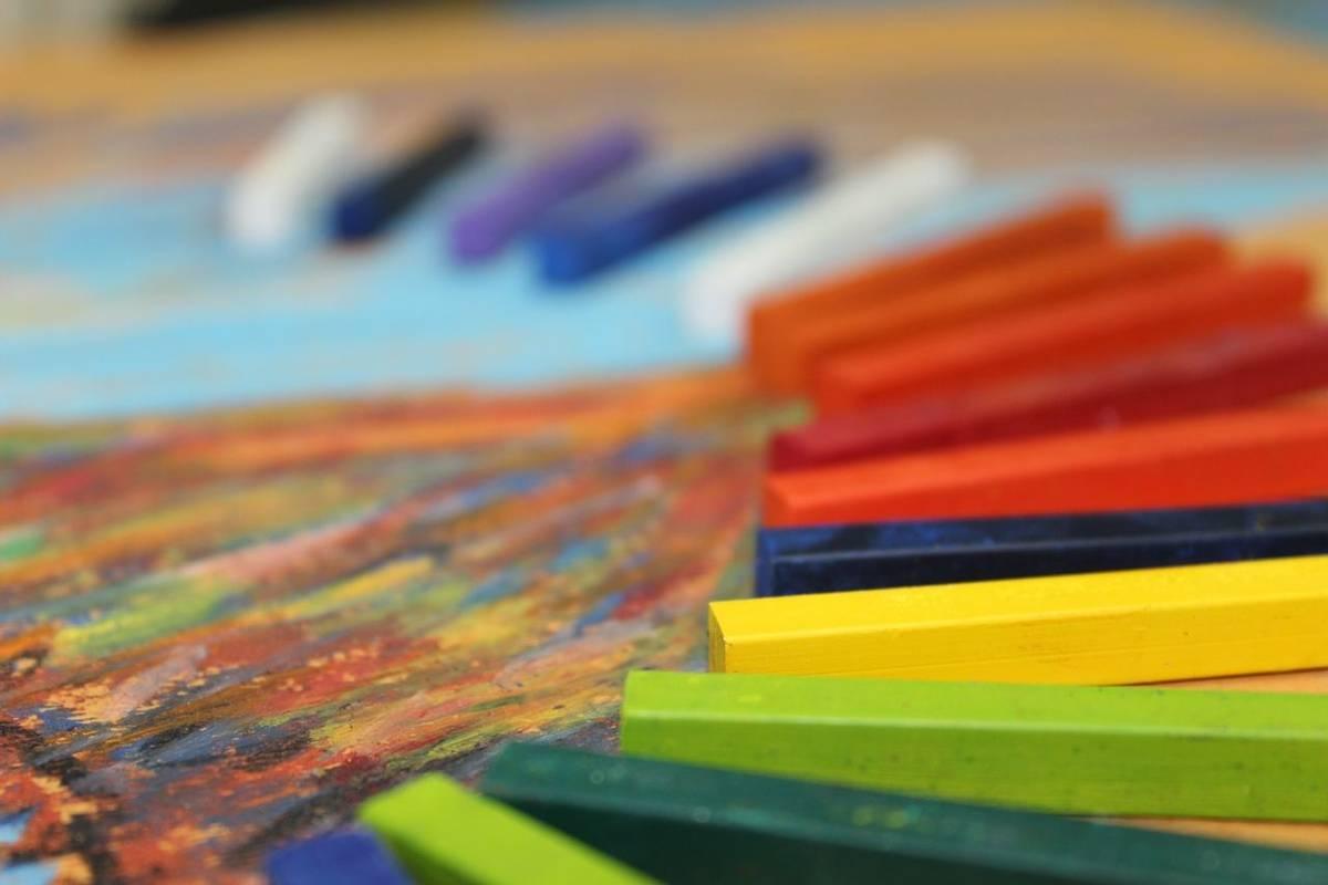 Art&Craft-Pastels-AdobeStock_49084034.jpeg