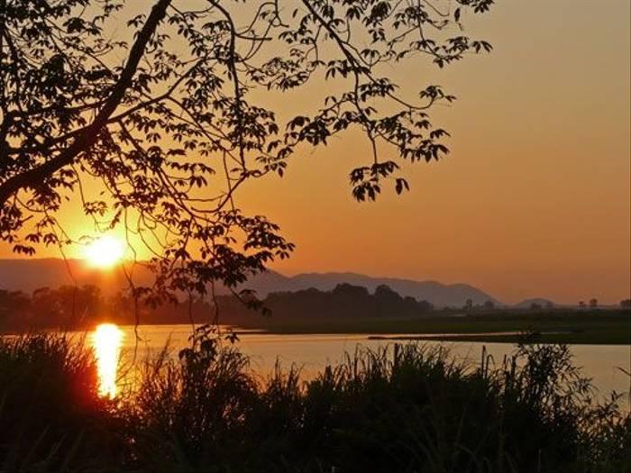 Kaziranga Sunset (Michael Ball)