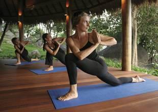 Kamalaya-yoga-class-group.jpg