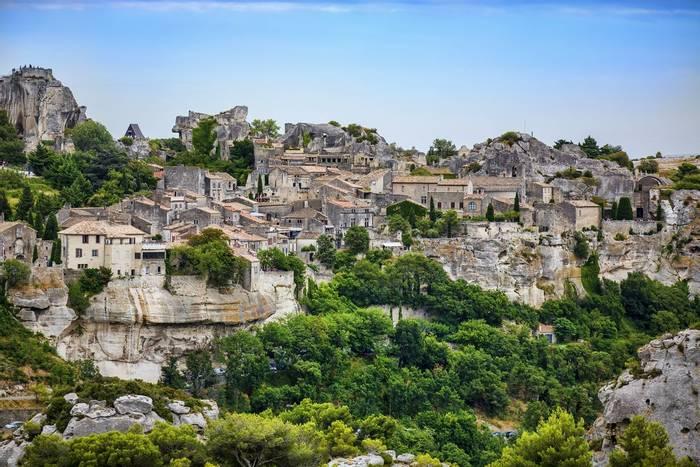 Les Baux de Provence, France shutterstock_669097567.jpg